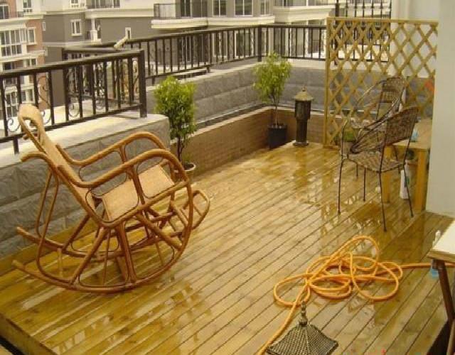 佛山厂家设计安装 楼顶天台花园户外地板 私家庭院防腐木别墅栈道