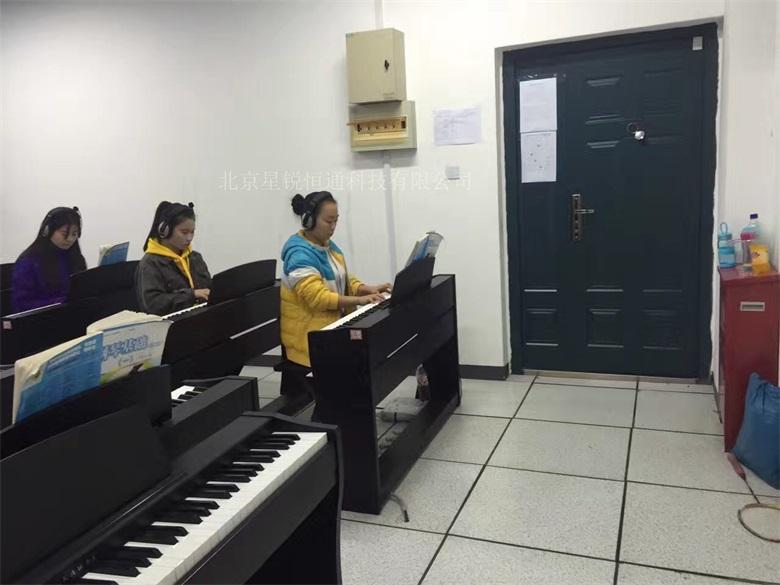 音乐教室成套设备XRHT-01型电钢琴集体课