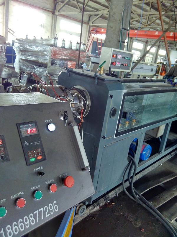 PE碳素螺旋管生产设备价格