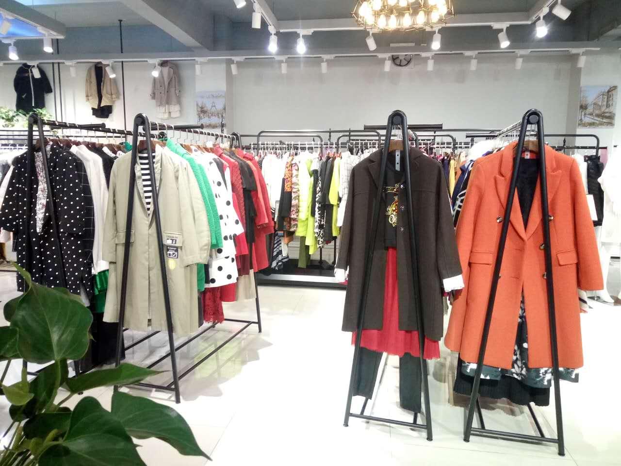 广州石井品牌折扣女装拿货健凡服饰一手时尚库存尾单现货女装分份货源