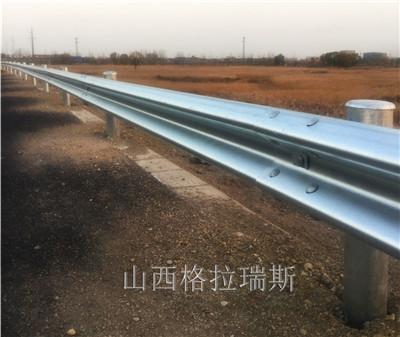 云南热镀锌波形护栏及玉溪公路镀锌护栏板一米价格