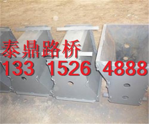 隔离墩钢模具制作精细——隔离墩钢模具可信赖厂家