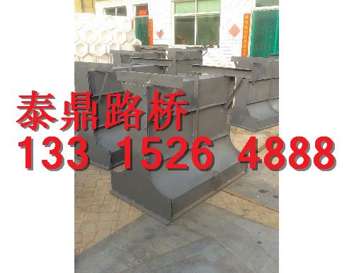 水泥隔离墩钢模具大型生产厂家,水泥隔离墩钢模具其他行情