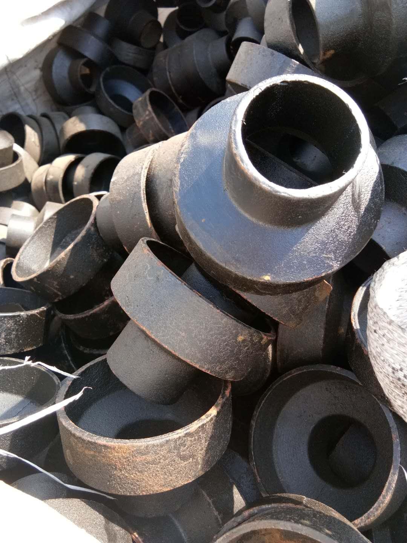 生产离心机制铸铁管 新兴排水铸铁管 规格齐全铸铁管50-300