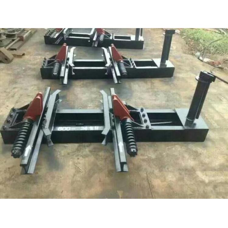 厂家供应600单道阻车器 手动阻车器 矿用抱轨式阻车器