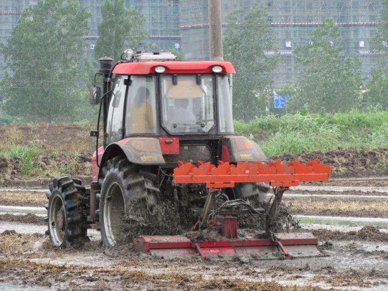 一馬牌4.6米農業水田平整平地機