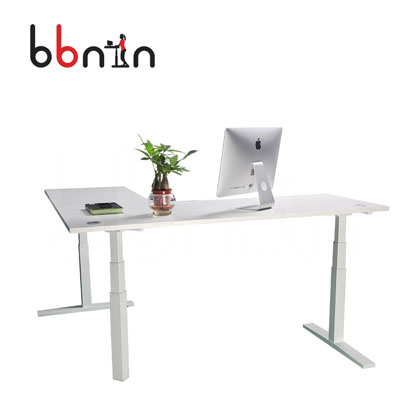 用广州程序员可调节升降桌办公更轻松