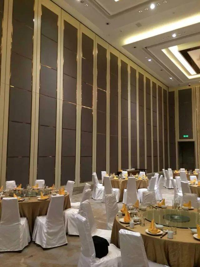 福田酒楼活动屏风隔断墙   深圳赛勒尔80型折叠隔断屏风门