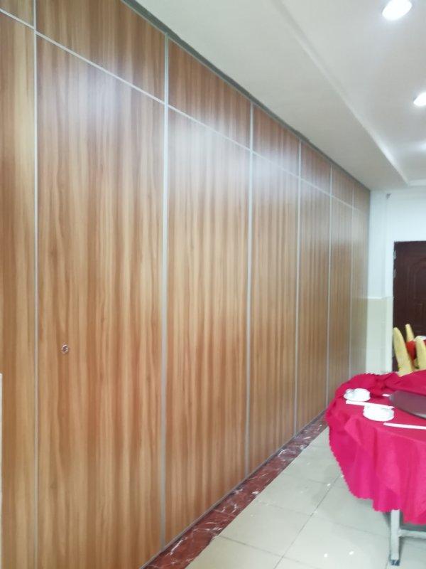 酒楼移动折叠屏风隔墙   深圳赛勒尔65型活动隔断推拉门