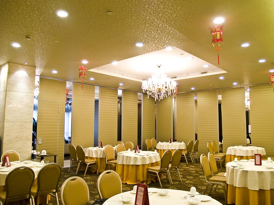 超高型活动隔断  酒店移动活动隔断墙   深圳赛勒尔80型活动隔断墙