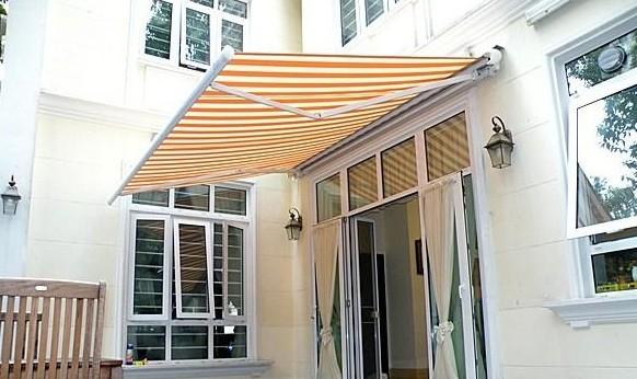 伸缩阳光板雨棚有哪些特点?