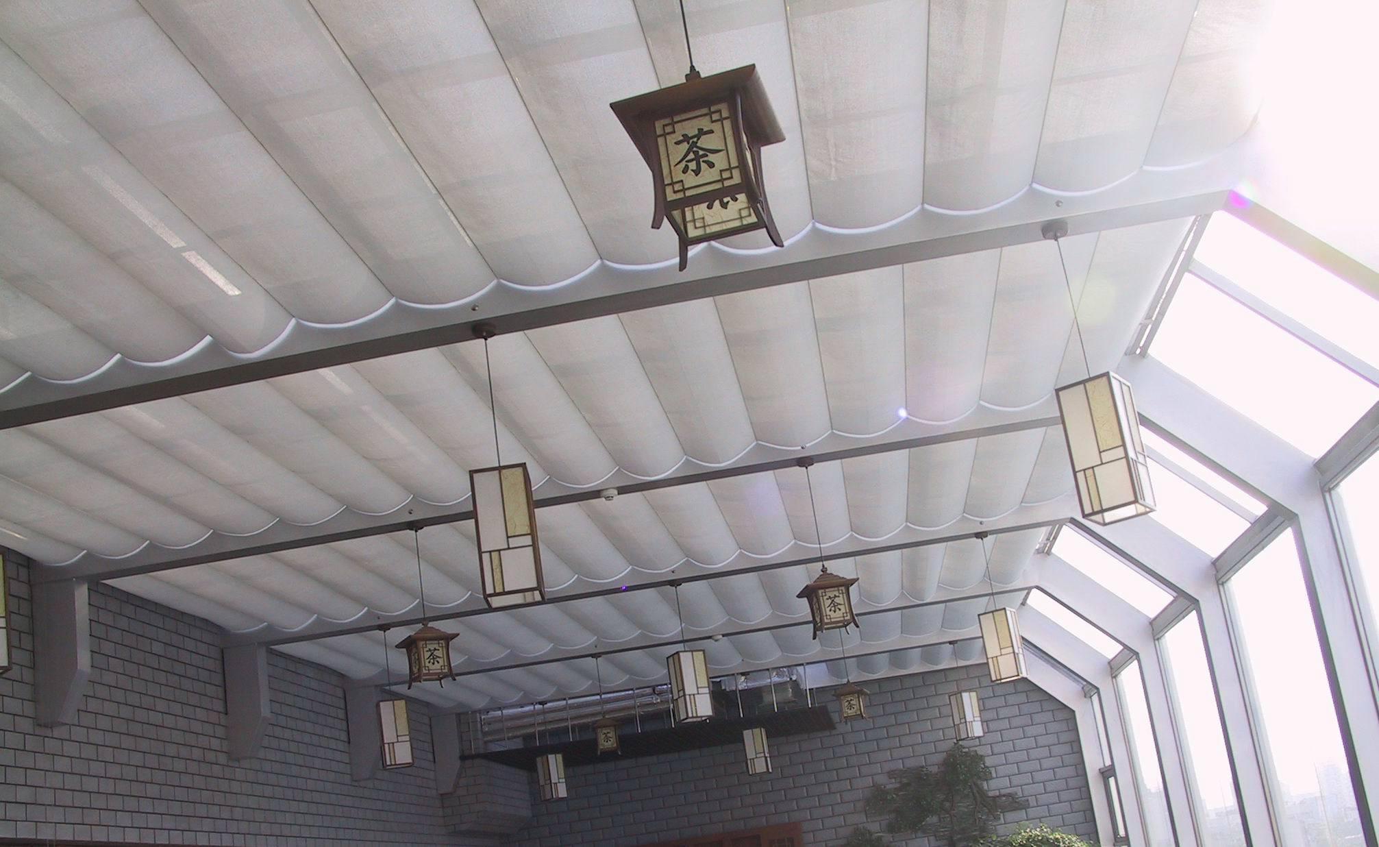 电动天棚帘在高处安装时要注意哪些安全要求?