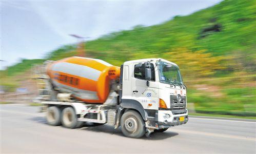 北京回收混凝土罐车二手罐车回收