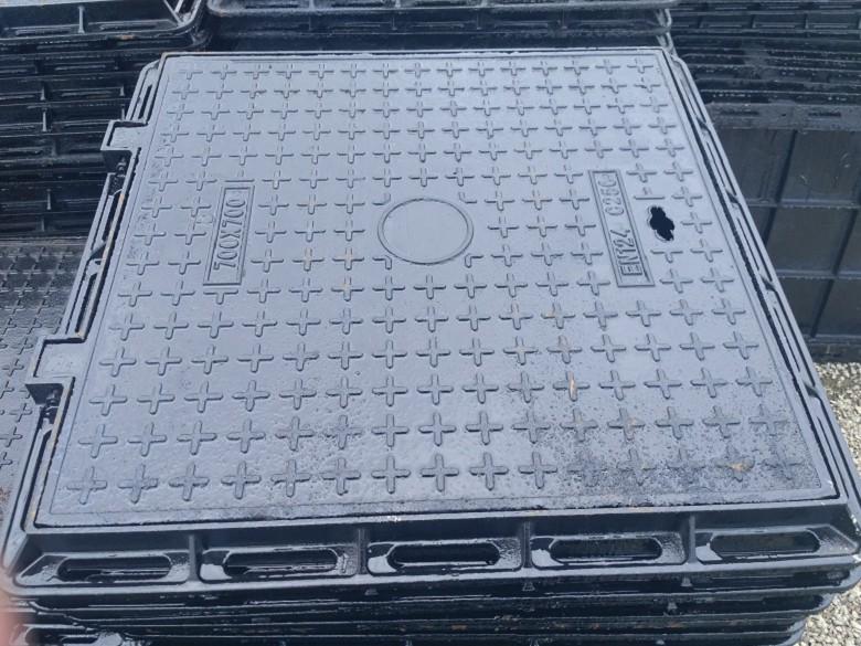 成都球墨铸铁圆形方形井盖的价格