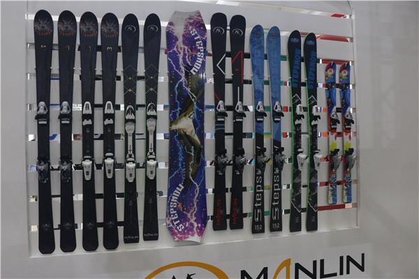 滑雪板供应商批发报价 国内滑雪单双板代加工厂家