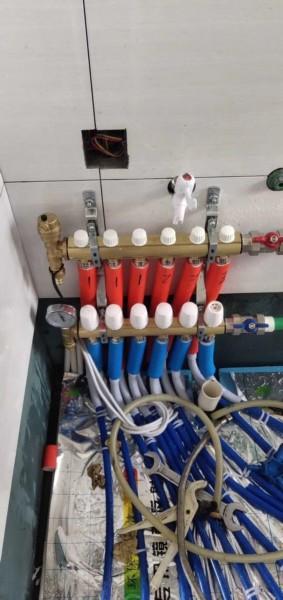 无锡威能地暖暖气片分集水器安装位置