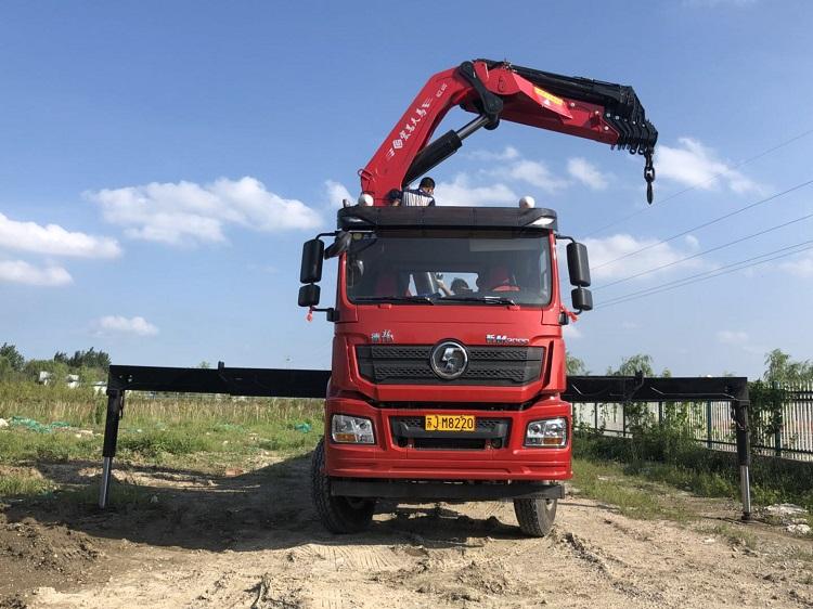 隨車吊折臂吊  80噸二手折臂吊價格 濟寧三石
