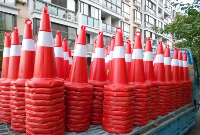 上海路锥租赁 北京雪糕筒出租 活动F1赛车锥筒租赁