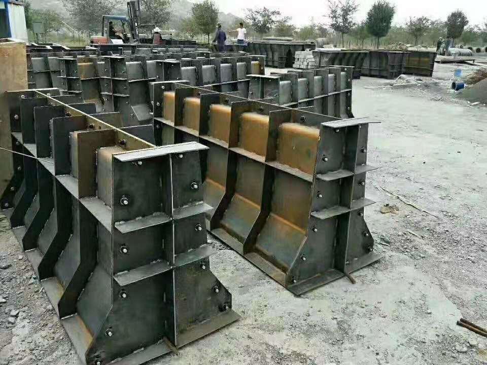 预制隔离墩钢模具厂家价格/隔离墩钢模具加工厂