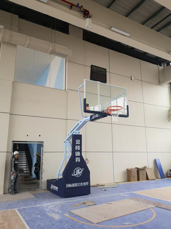 广西柳州电动液压篮球架厂家