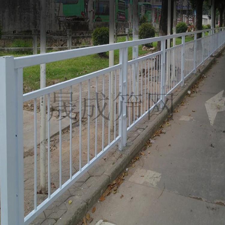 澄迈市政道路护栏厂家定做 儋州新建路侧栏杆图片