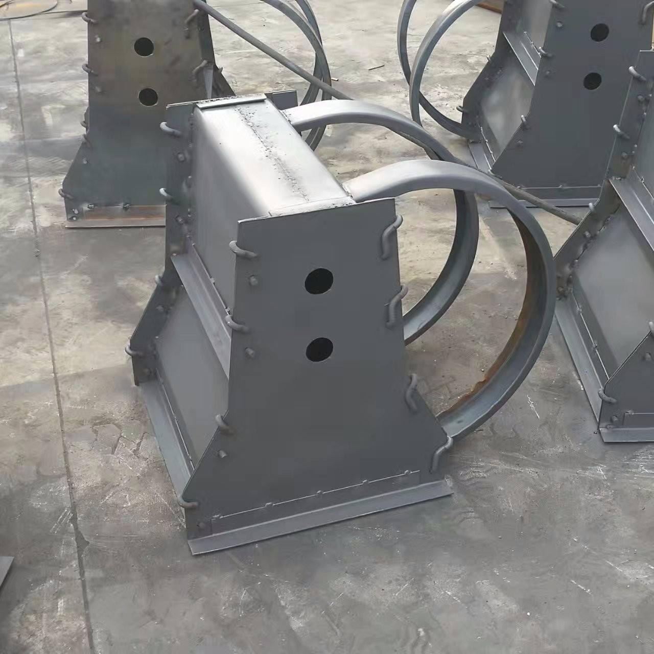 水泥隔離鋼墩模具的價格與設計構造