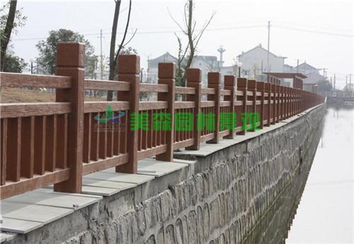 仿木欄桿廠家定制 混泥土仿木護欄 仿木圍欄材料