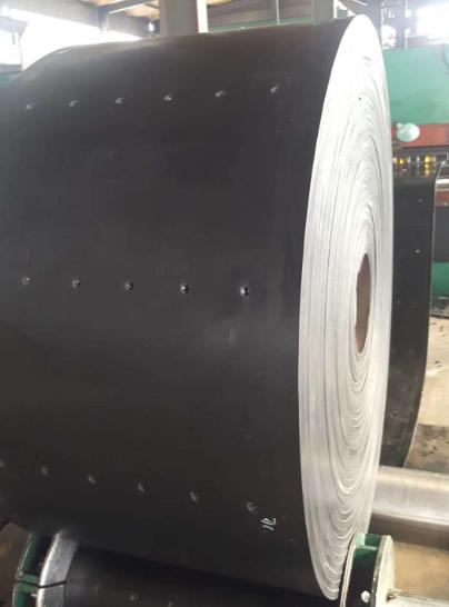 平涼耐高溫提升機鋼絲膠帶符合國家標準
