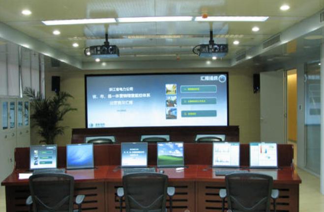 GLOVIEW会议室超大画面高精度无边框触控方案