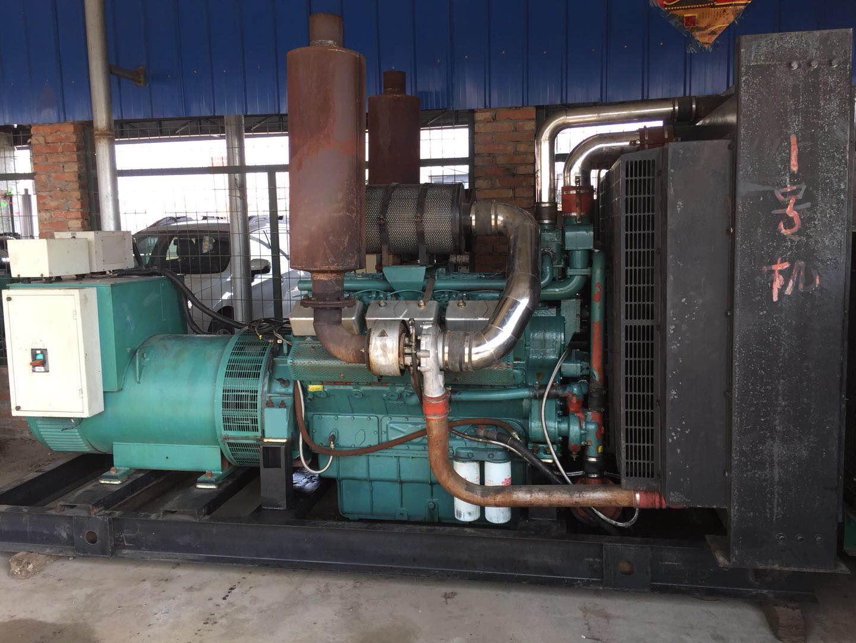 低价甩卖南通股份机器700千瓦发电机组