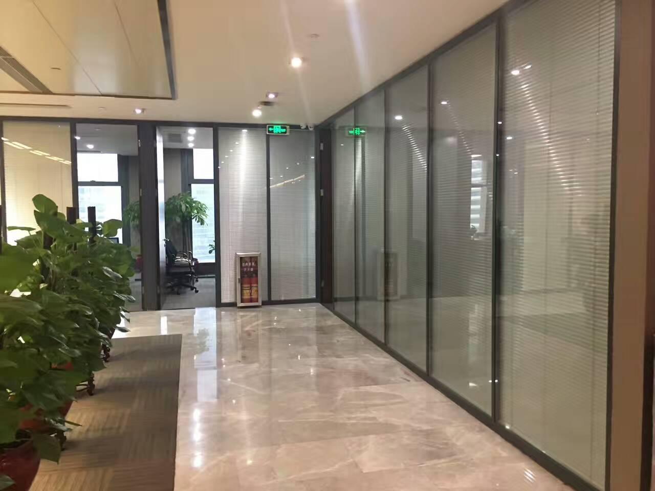咸阳办公双层玻璃隔断—中空玻璃夹百叶窗隔断—内钢外铝玻璃隔断