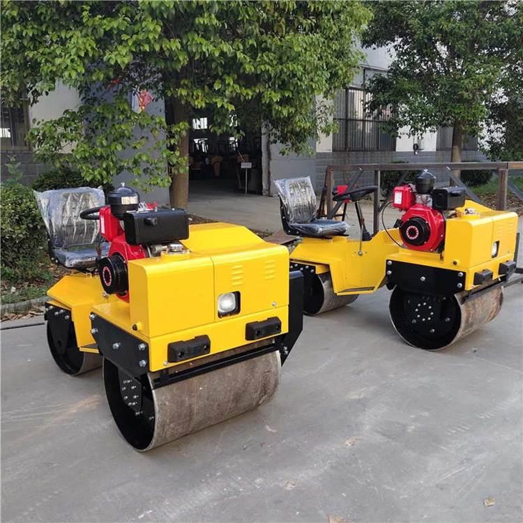 产地直发压路机经济实用驾驶型柴油压路机