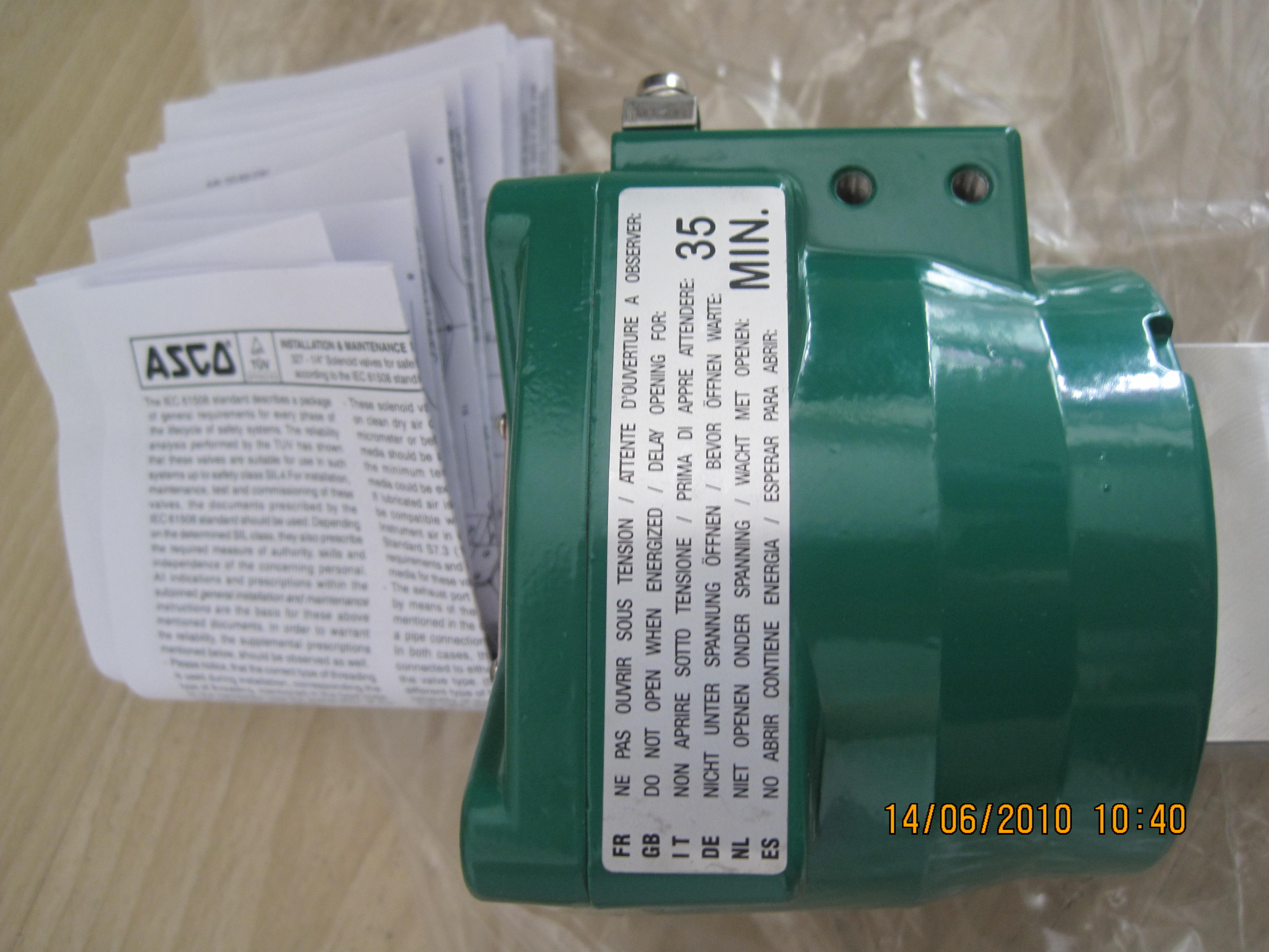 电磁阀DG4V-3-2N-M-U-C6-60