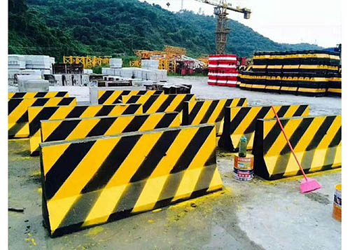 高速公路隔离墩模具-防撞墙隔离墩模具