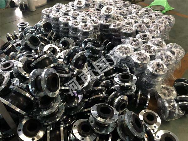 辽宁耐油橡胶接头裂开后经济的解决办法