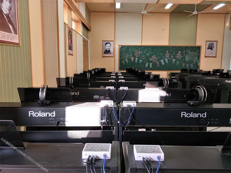 智慧琴房錄課錄播設備全套88鍵鋼琴無聲授課系統