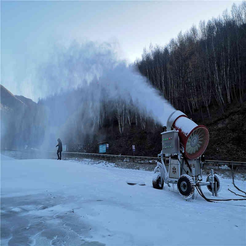 造雪機的原理介紹,制雪機的生產廠家價格設備