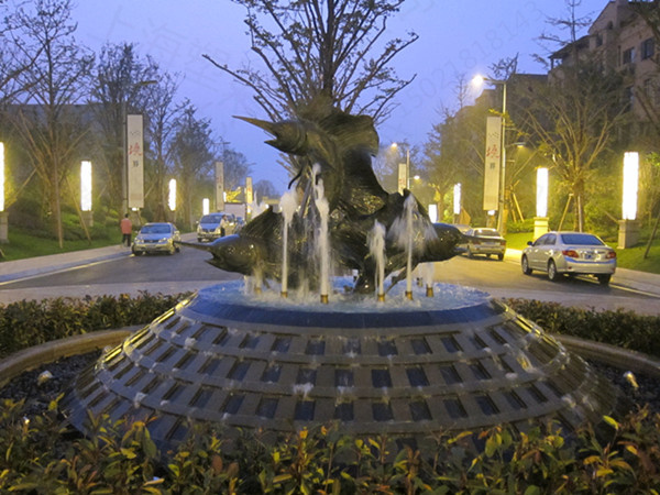 江苏景观入口铜鱼雕塑 海洋鱼水景雕塑工厂